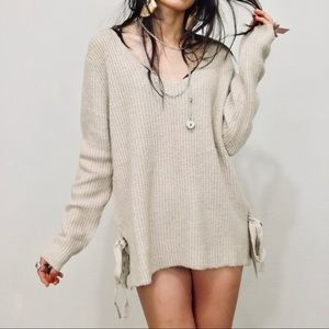 Sweaters - Brand new soft bow knit sweater